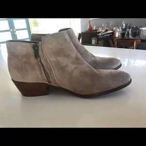 Sam Edelman Chelsea Bootie SZ 10 Taupe worn once